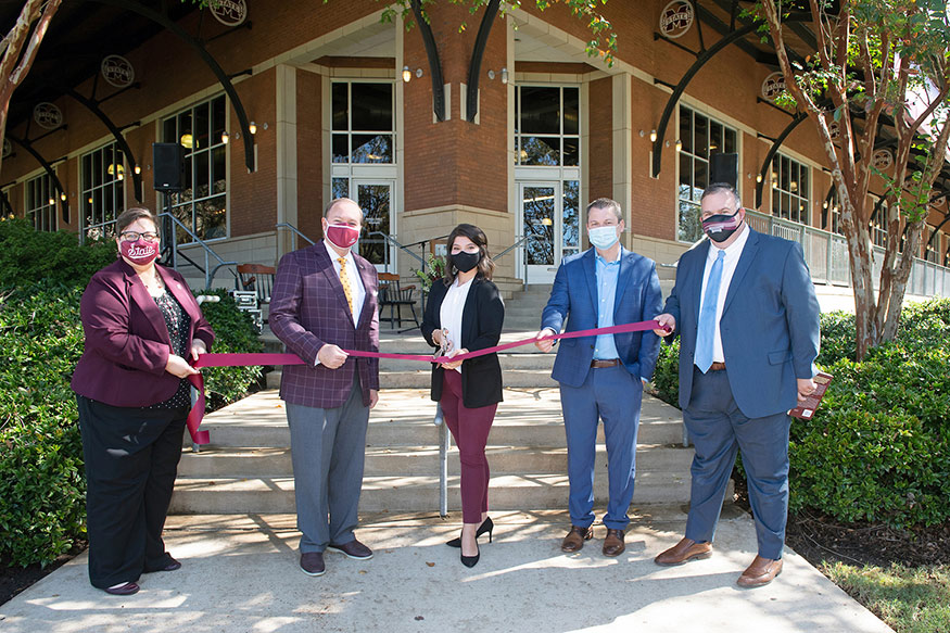 Leaders from Mississippi State and its MSU Barnes & Noble Bookstore hold a ribbon cutting ceremony